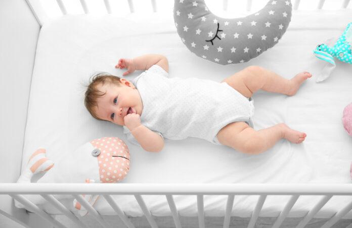 jakie dodatki kupić do łóżka niemowlaka?