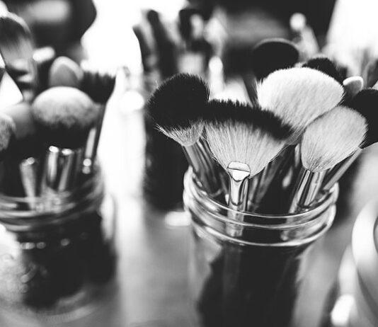 Jak wybrać wysokiej jakości akcesoria kosmetyczne